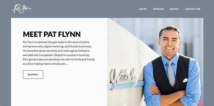 Páginas web personales ejemplos Pat Flynn
